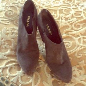 Prada bootie in excellent Condition like new